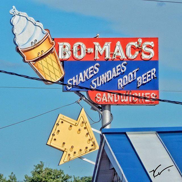 BO-MAC'S